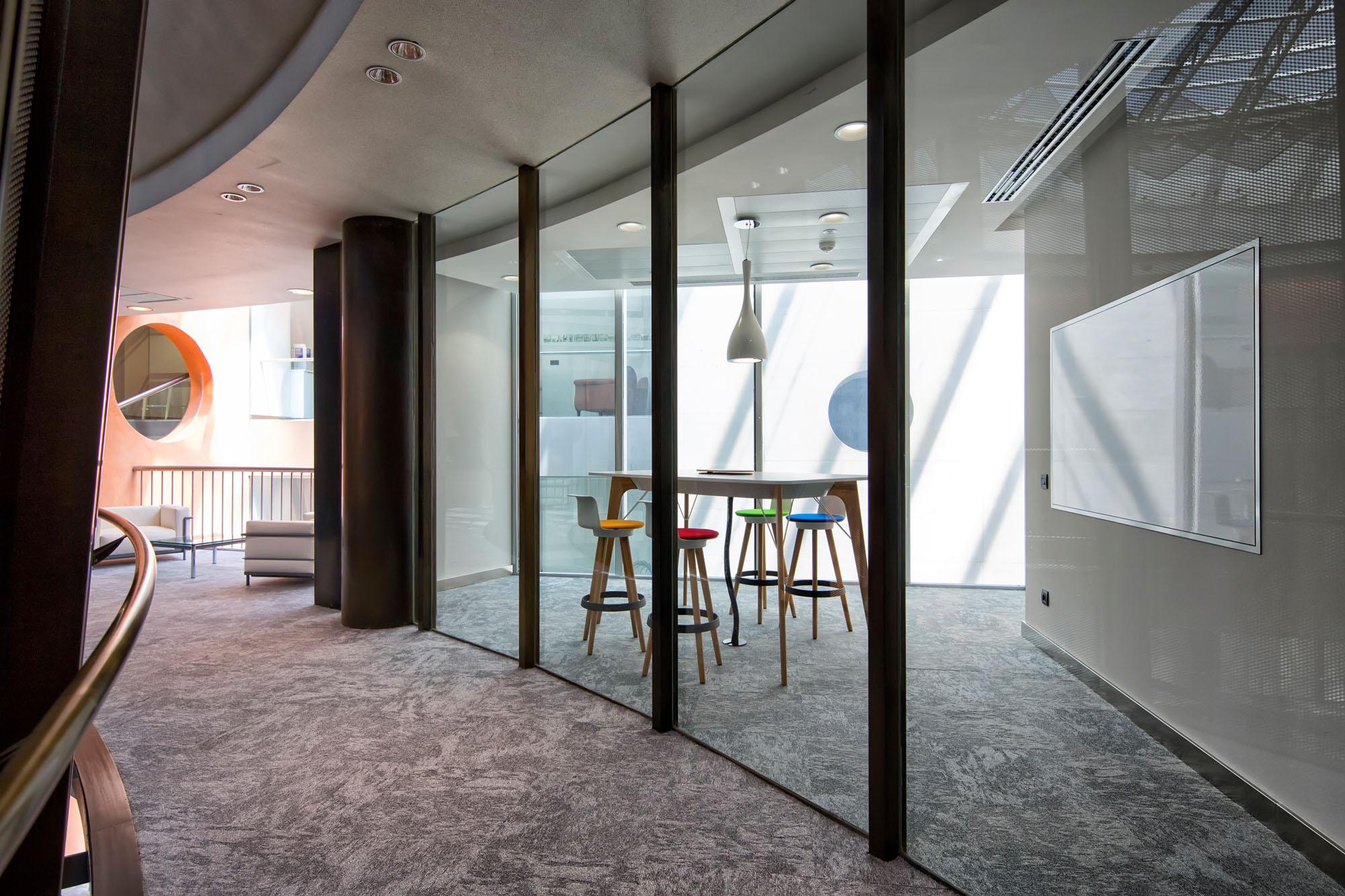 El primer banco espa ol totalmente digital openbank for Oficinas de openbank en madrid
